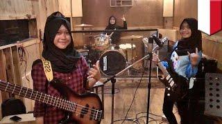 Viral band metal yang beranggotakan remaja putri berhijab di Garut - TomoNews