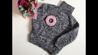 Детский свитер для девочки спицами(с удлиненной спинкой)