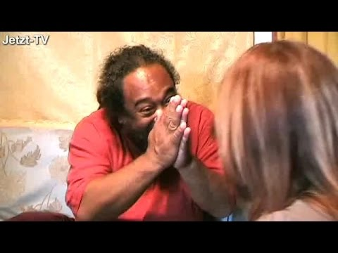 Mooji - Keep Quiet and Hold on to Your Being