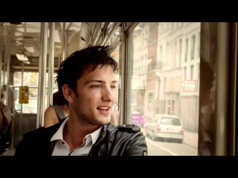 ► Ricardo Munoz - I Can't Stay (official video)