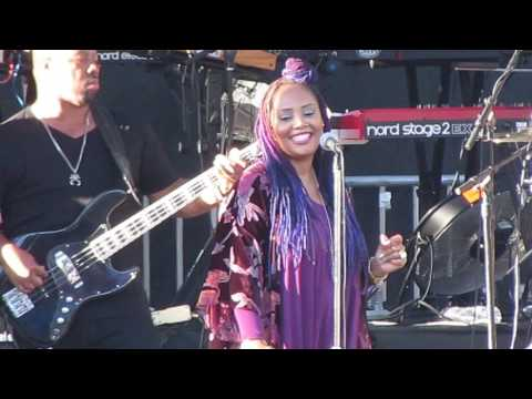 Lalah Hathaway performs Angel LIVE (partial)