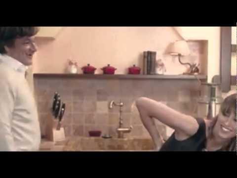Stella Di Natale Benedetta Parodi.Benedetta Parodi A Natale In Tv Con Le Ricette Di Famiglia Youtube