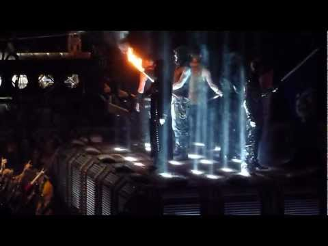 RAMMSTEIN Opening of the Show in New York playing Sonne