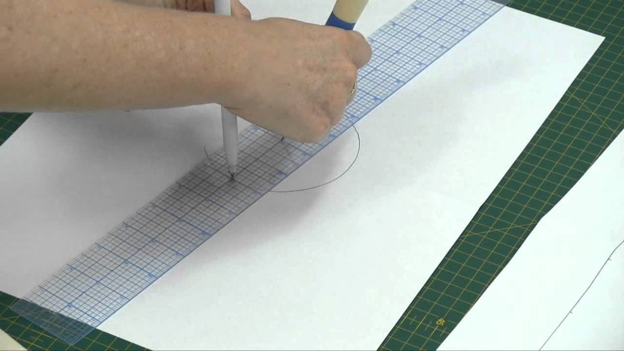Sew Easy Circle and Scallop Ruler - YouTube : circle ruler for quilting - Adamdwight.com