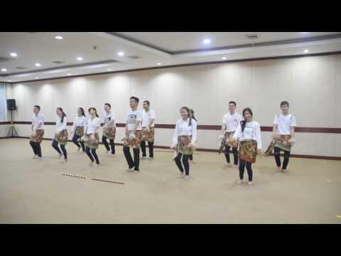 Indonesia Menari Formation For 12 People