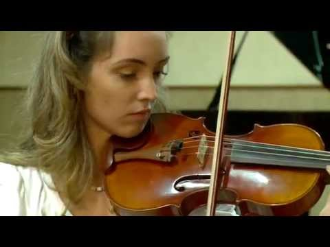 Brasileiros no Mundo - Escola de Música de Brasília