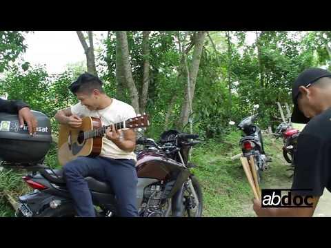 Merinding Andika kangen nyanyi lagu Religi terbaru Dynasty 7 band - Sujudku (2017)