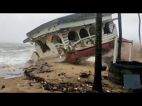 فيديو | إعصار عنيف يتوجه إلى غرب الهند بعد موجة الوباء القاتلة …  - نشر قبل 46 دقيقة