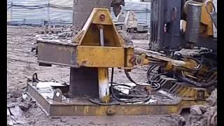 Работа буровой установки Bauer MBG12 с обсадным столом.