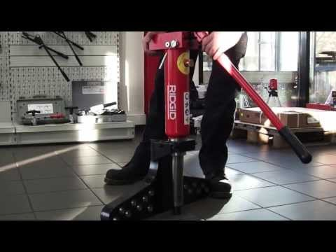 RIDGID - How To Bleed Air From A Hydraulic Pipe Bender