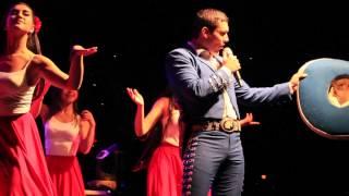 Bailando  Carlos Gutierrez