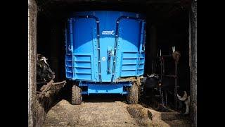 Wóz paszowy Euromilk RINO FX800-  pokaz podczas pracy na gospodarstwie u Pana Marka