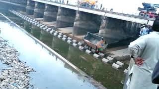 Dangerous excident at head marala sialkot river