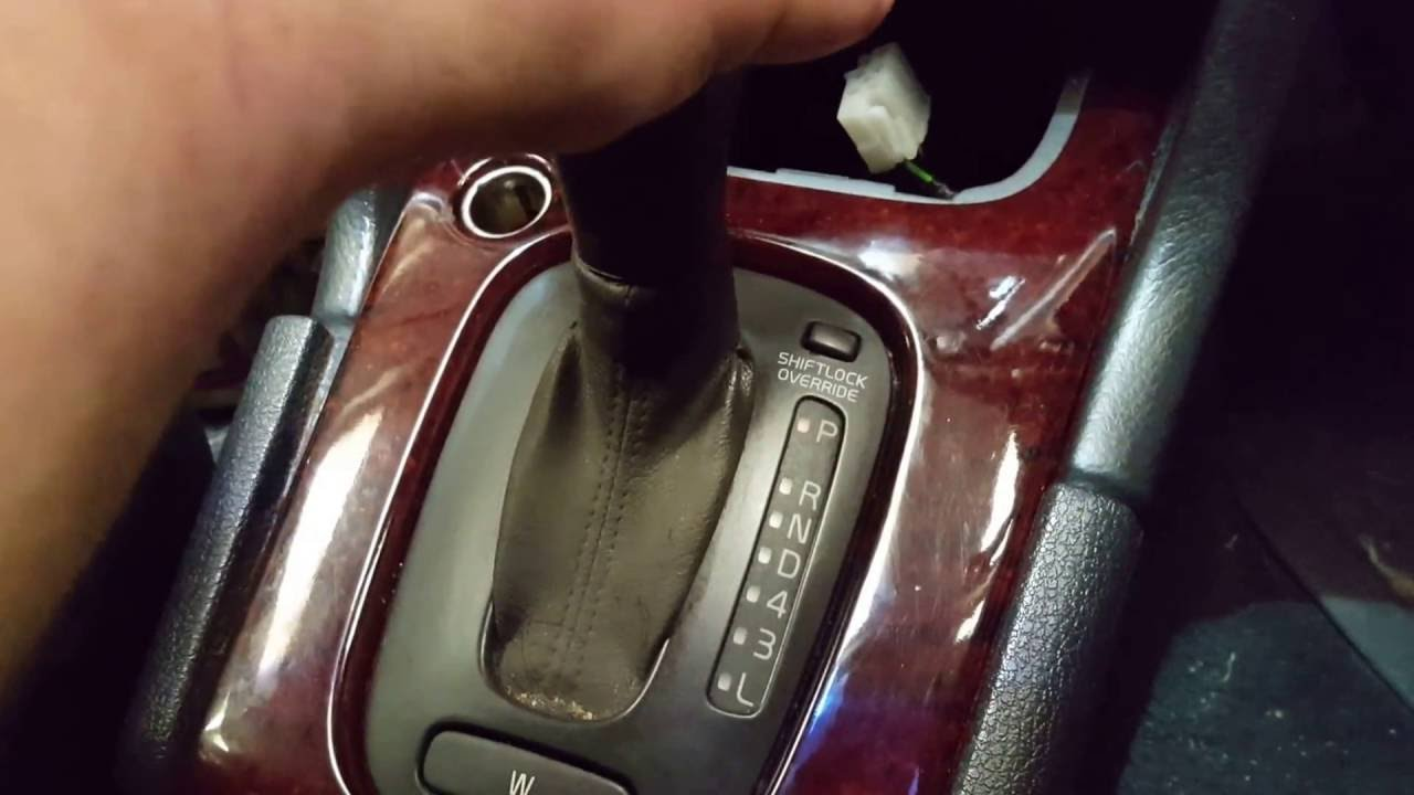 Keys Stuck In Ignition >> How to remove stuck ignition key in a Volvo 850/V70 automatic - YouTube
