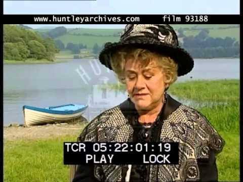 Joan Plowright on Attractive Roles, 1990's - Film 93188