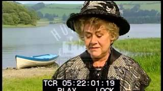 Joan Plowright on Attractive Roles, 1990