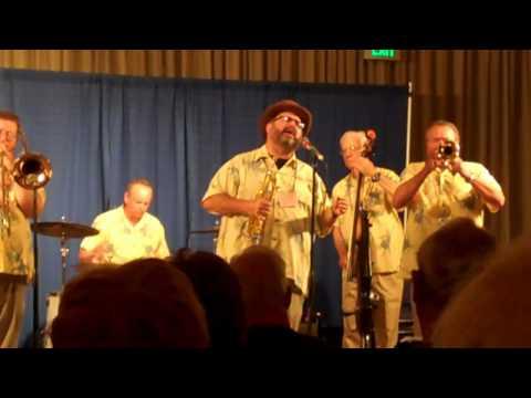 Cornet Chop Suey band plays St. James Infirmary Sa...