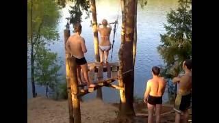 Тарзанка опасна для девушек в купальнике