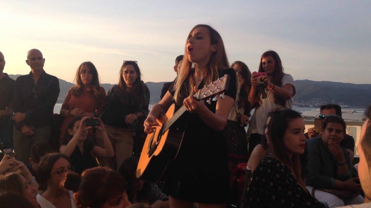 Zahara - Olor a Mandarinas. Live the Roof ,Vigo 02/07/15.