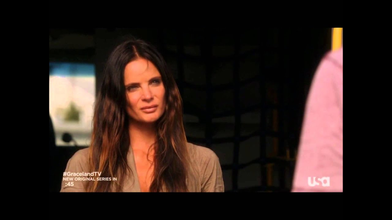 Download Burn notice: That's the kiss she gives when it's over... (s07e02 - Forget me not)