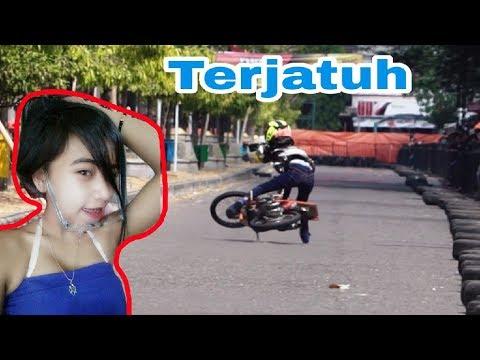 Detik2 Si Cantik Lepas Kendali, Joki Cewek Kinkin Drag Bike Ponorogo