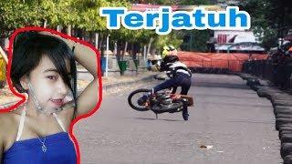 Download Video Detik2 Si Cantik Lepas Kendali, Joki Cewek Kinkin Drag Bike Ponorogo MP3 3GP MP4
