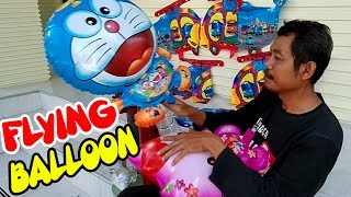 Anak-anak Melepas Balon Terbang Frozen | Isi Sendiri Gas Balon Karakter Doraemon & Hello Kitty