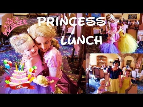 ADORABLE GIRLS LUNCH WITH THE PRINCESSES | Disneyland Paris | Birthday Cake Surprise