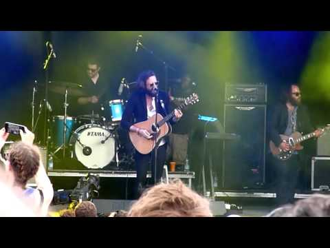 Father John Misty - Chateau Lobby #4 [Live at Glastonbury Festival, Park Stage - 27-06-2015]