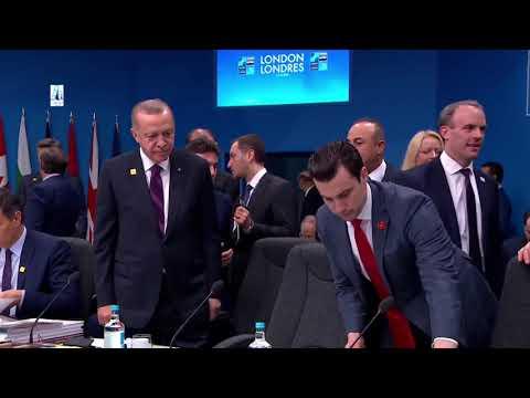 لحظة وصول أردوغان لقمة الناتو ومروره بشموخ بين زعماء العالم