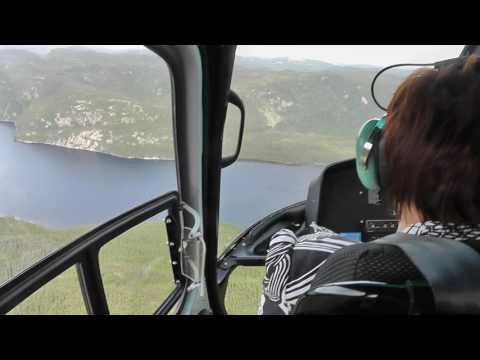 Arrivée à la Pourvoirie Mabec en hélicoptère