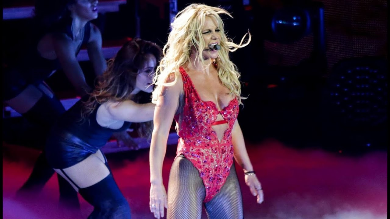 Britney Spears - ...Baby One More Time & Oops!... I Did It Again (Live in Concert: Asia Tour) - YouTube