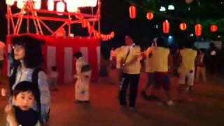 神戸市東灘区住吉での盆踊りにて.