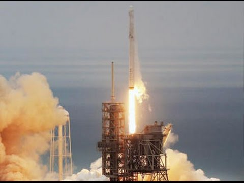 SpaceX Falcon 9 lifts off with communications satellite