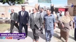 محافظ الإسكندرية يتفقد سير العملية التعليمية بالمحافظة.. فيديو وصور