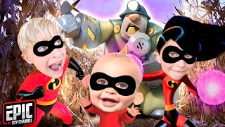 INCREDIBLES 2 Pretend Play Jack Jack Dash Violet Defeat Underminer and Incredibles 2 Toy Play