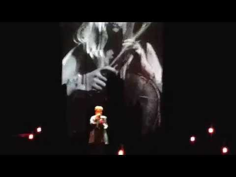 Ane Brun - a beautiful cover of Halo - Live 27-11-2014 @ Oosterpoort Groningen