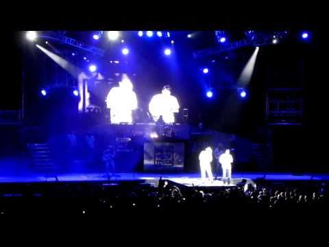 Toby Keith - American Ride Tour 2010 - Wayman's Song (Crying for Me)