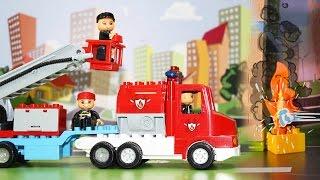 Мультфильм. Пожарные машины тушат пожар. Развивающие мультики для детей.(Мультфильм про машинки, которые тушат пожар! Конечно, это пожарные машины! В этой серии детки посмотрят..., 2015-06-12T09:18:07.000Z)