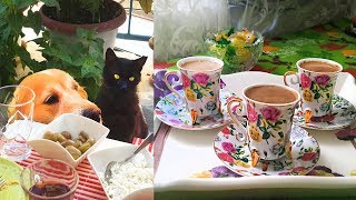 Турецкий кофе на молоке, рецепт (с 3:20 мин) от почтенной турчанки. В гостях у Юли. Измир, Турция.