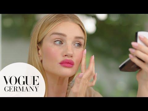 Karl Lagerfeld und L'Oréal Paris lancieren Make-up-Kollektion zur Pariser Modewoche