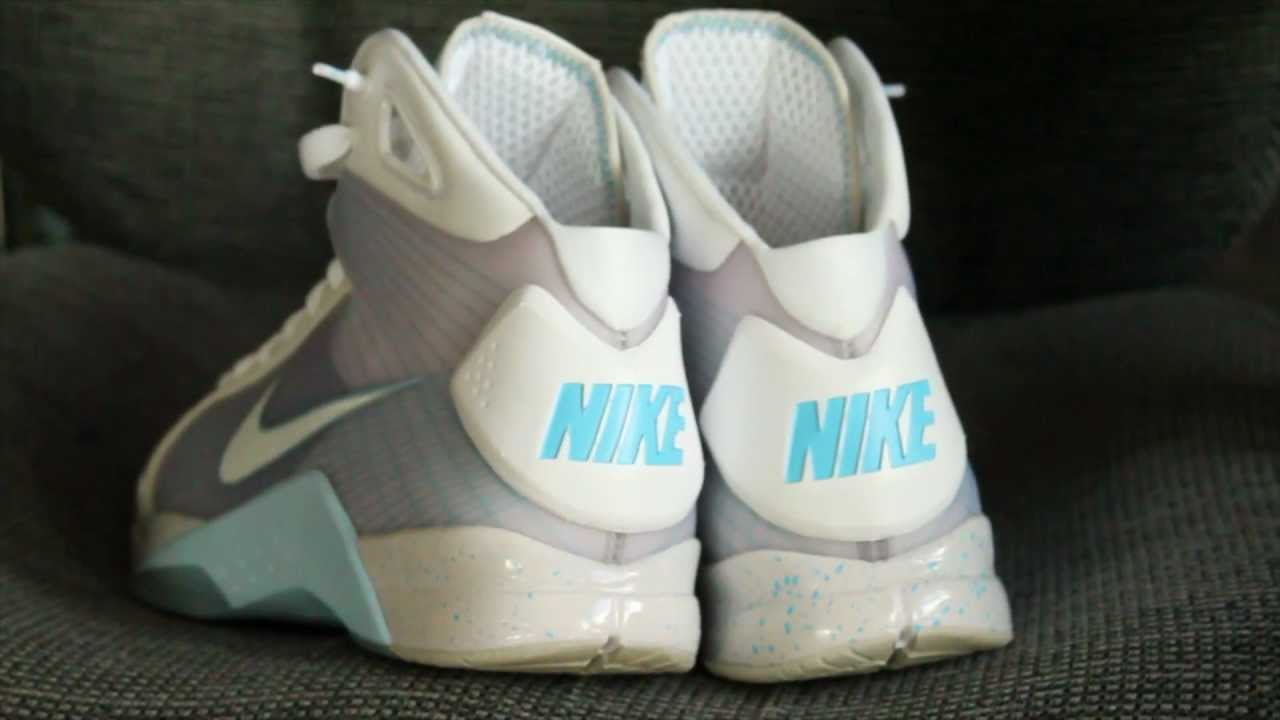 1d167714a6b7 NIKE HYPERDUNK 2015 MCFLY BACK TO THE FUTURE - YouTube