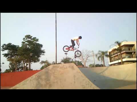 Bmx freestyle en Leandro N. Alem