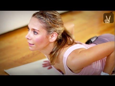 Yoga Fortgeschrittene: Fat Burning Flow - Weg mit dem Speck!