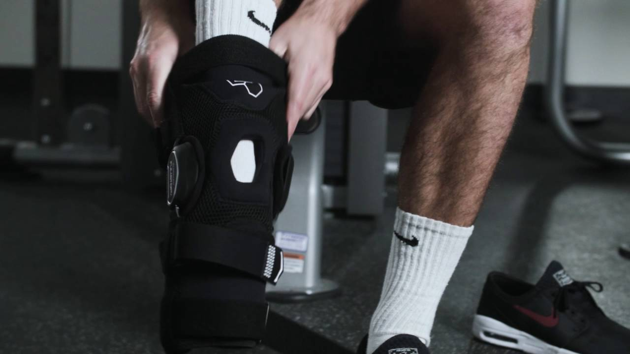 936cacf8a1 DonJoy Performance Bionic Fullstop Knee Brace: Fit and Usage - YouTube