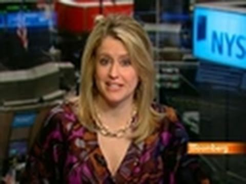 Hershey Boosts Prices; Fed Releases Bank-Borrowing Data: Video
