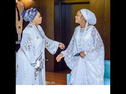 Stunning! Ooni of Ife's beautiful wife, Prophetess Naomi glows. Spotted Chilling Inside Palace