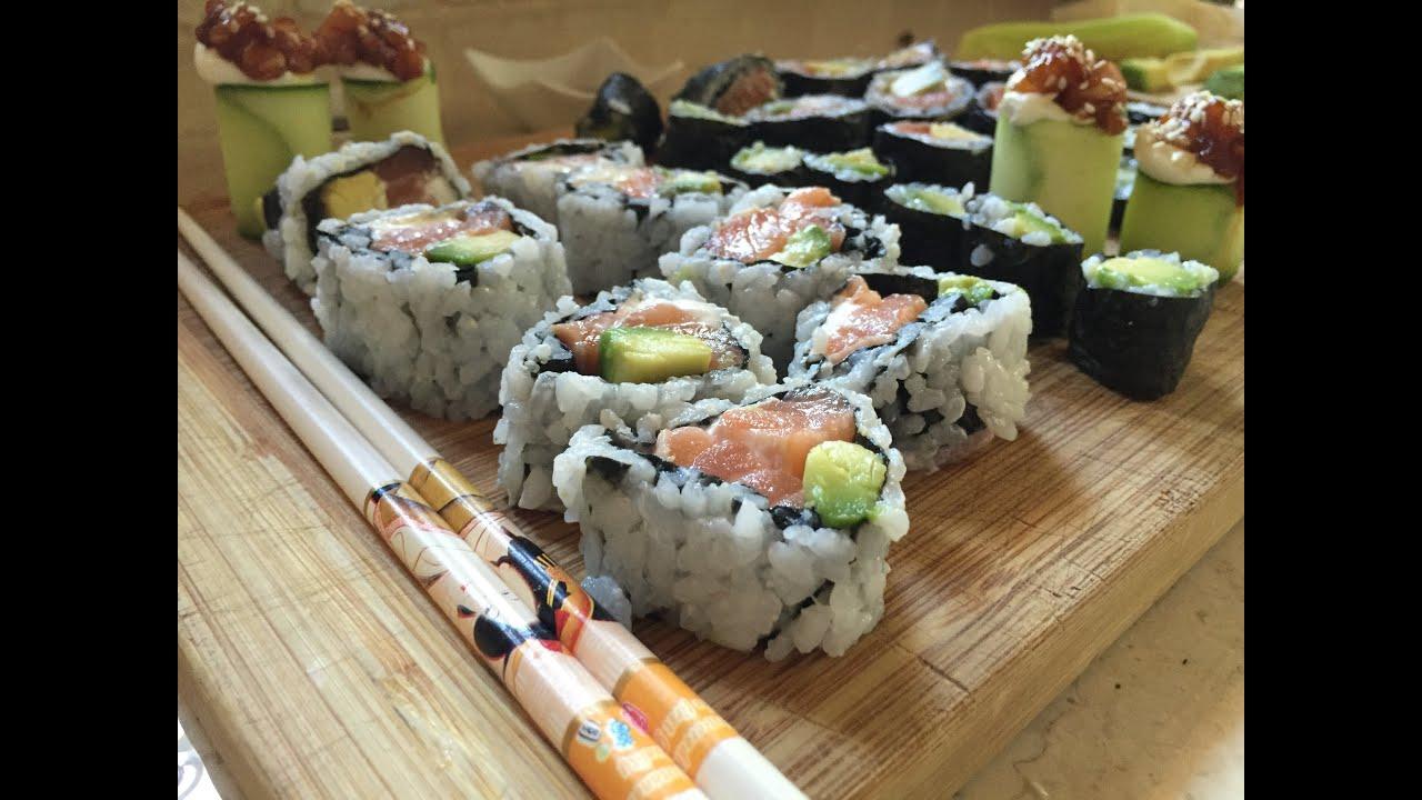 Ricetta Uramaki Giallo Zafferano.Sushi Tutorial Come Preparare Uramaki E Futomaki Youtube