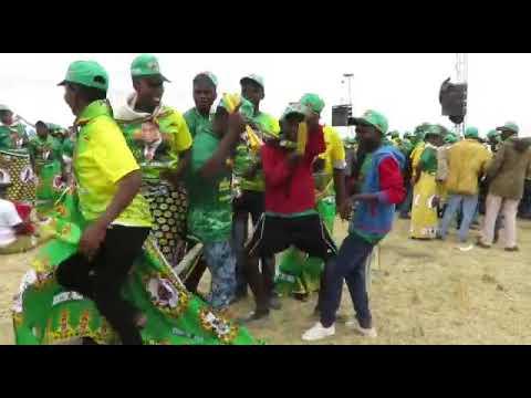 Zanu-PF members dance ahead of President Mnangagwa's address at Murombedzi - 24 Nov 2018