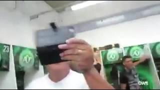 كل الموجودين في الفيديو ماتو منذ قليل في حادث الطائرة ,,, احتفال فريق شابيكوينسي البرازيلي  قبل أيام